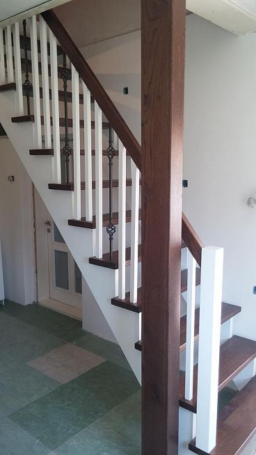 Kombinirane lesene stopnice
