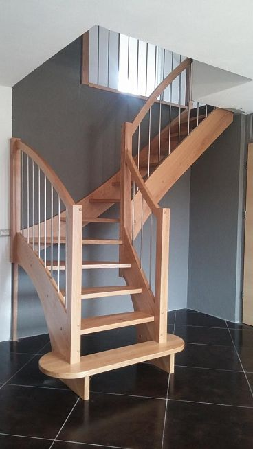 Lesene stopnice za montažno hišo