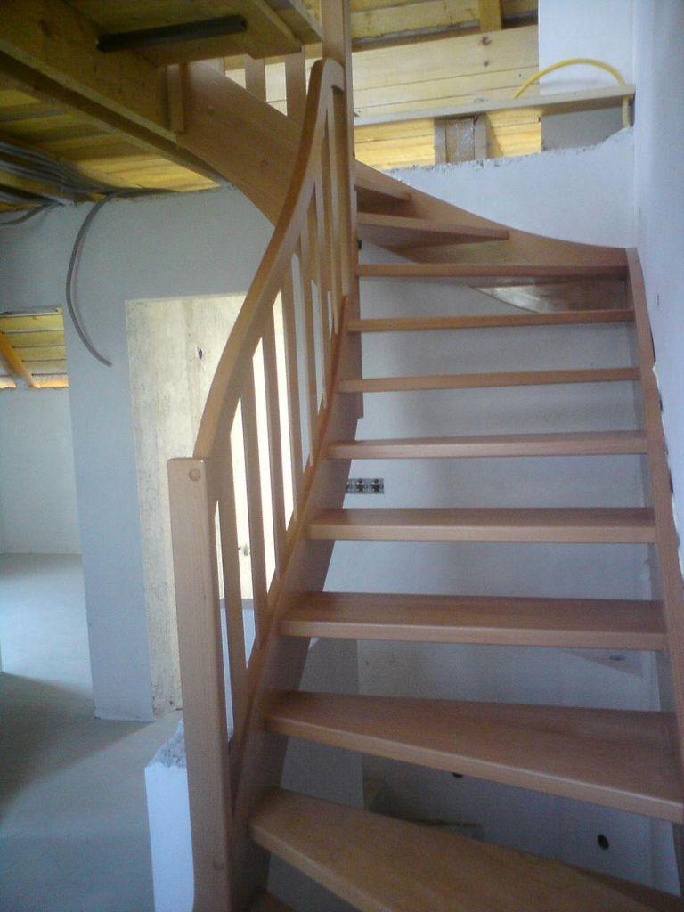 Lesene stopnice za mansardo