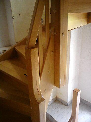 Detalj lesenih stopnic