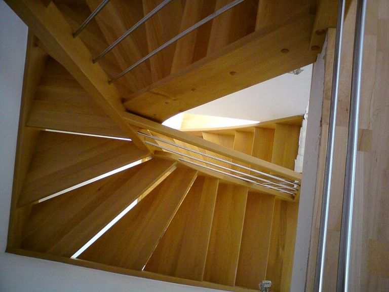Stopnice za podstrešje v montažni hiši