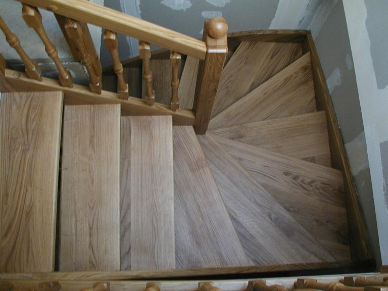 Rustikalne lesene stopnice